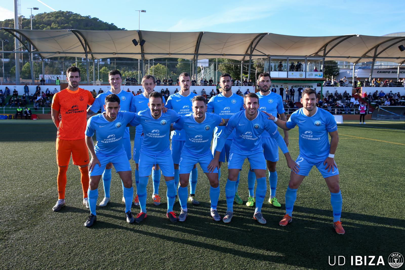 Manu Molina, campeón de invierno con la UD Ibiza