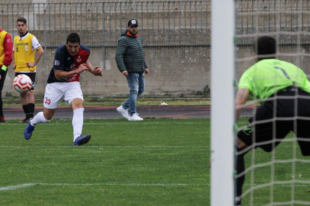 Ivan Agudiak marca y da el empate en el 90'