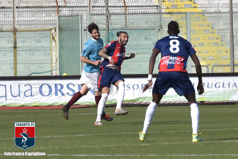 Manu González fue titular en la victoria de Taranto FC