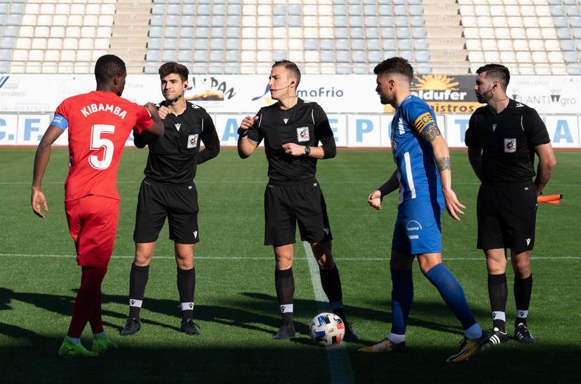 Kibamba fue capitán del Sevilla Atlético y consiguiópor quinta vez consecutiva dejar la portería a 0 del filial sevillista.