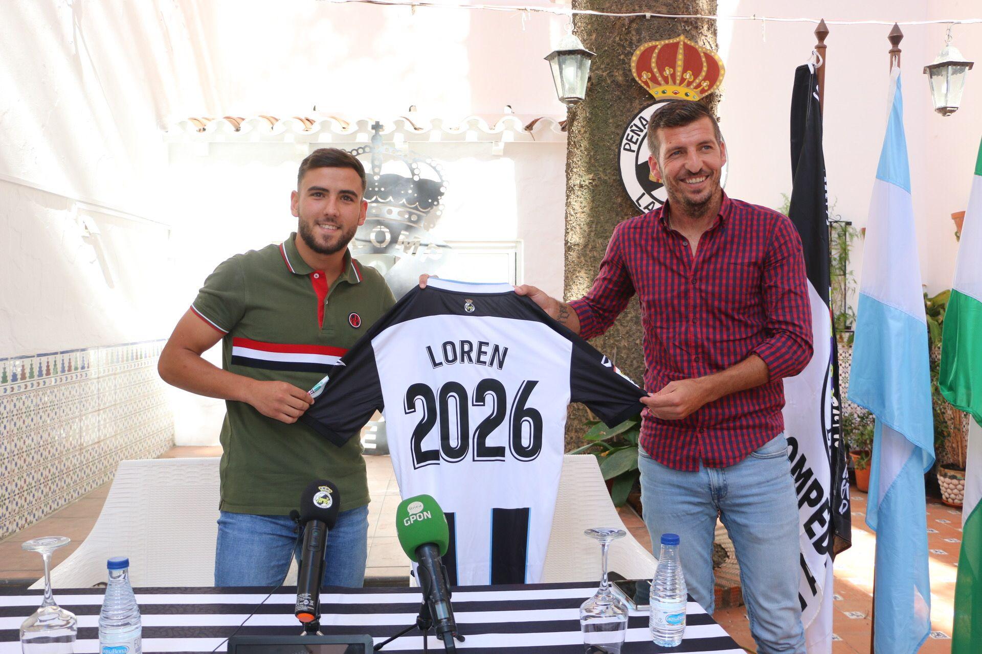 El extremo linense Loren renueva hasta 2026 con la Real Balompédica linense, cumpliendo así su sueño que tenía de niño
