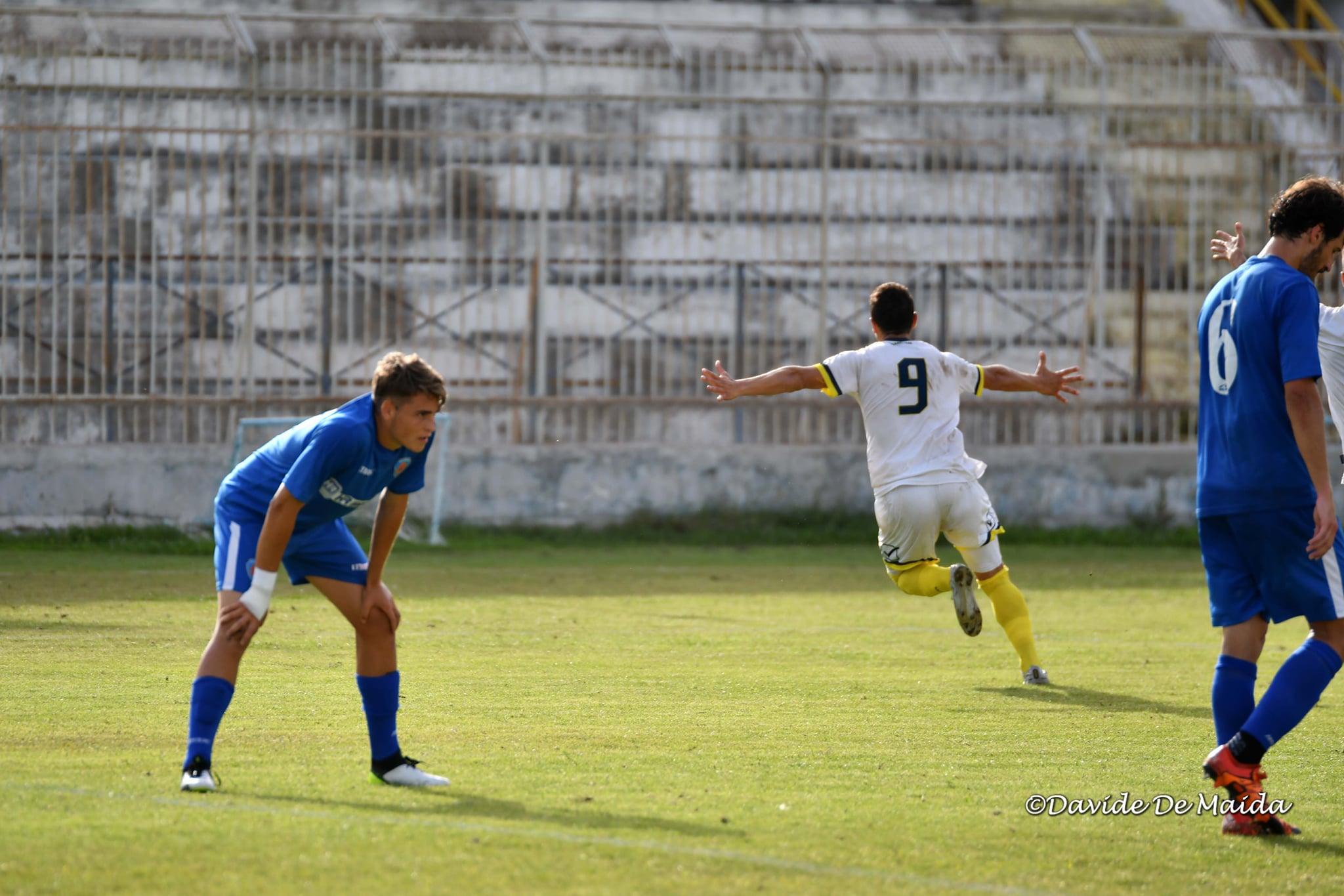 El Giarre 1946 de Ivan Agudiak asciende a la Serie D, tras vencer por 3 a 2 al Siracusa. El 'toro' marcó el tercer gol.