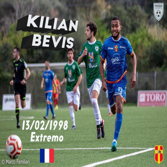 Kilian Bevis es un extremo francés de 23 años que se caracteriza por su rapidez, ser eléctrico y tener olfato goleador.